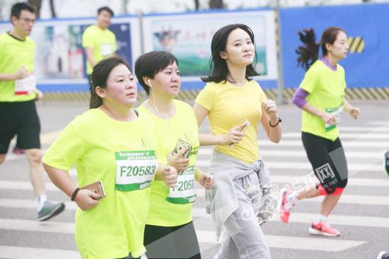 5、参与活动,约上朋友,来悦来生态跑感受运动带来的欢乐吧。资料图.jpg