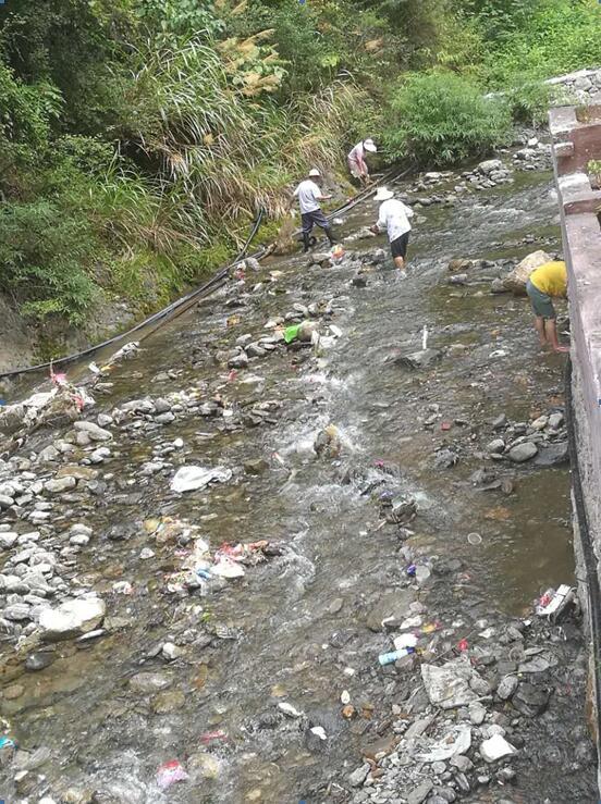 下步,我镇将进一步增加保洁队伍,加强一线天景区环境卫生清扫保洁工作
