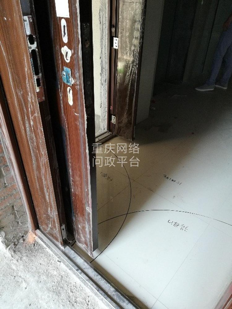 关于芸峰兰亭二期 户型入户门安全隐患的情况的求助